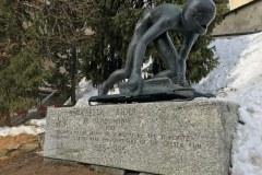 Cresta Run statue